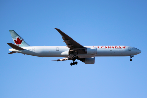 Air Canada Boeing 777-300ER C-FIUL