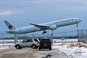 Air Canada Boeing 777-333ER C-FITU
