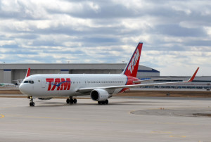 TAM AIRLINES - TAM Airlines Launches New Gateway Toronto