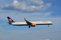 Icelandair Boeing 757-308 TF-FIX